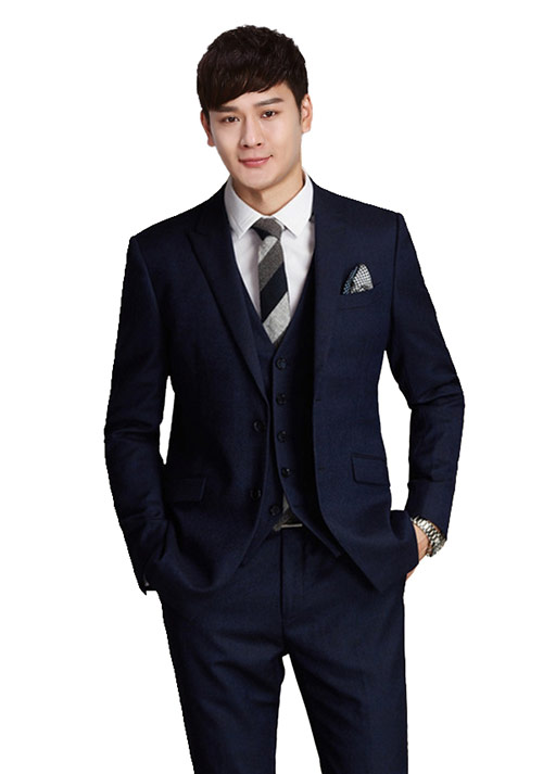 职场男士需要一件高质量得商务西装
